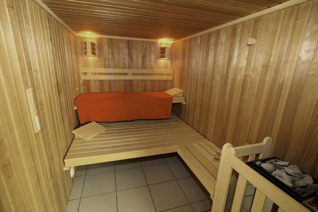 sauna_n